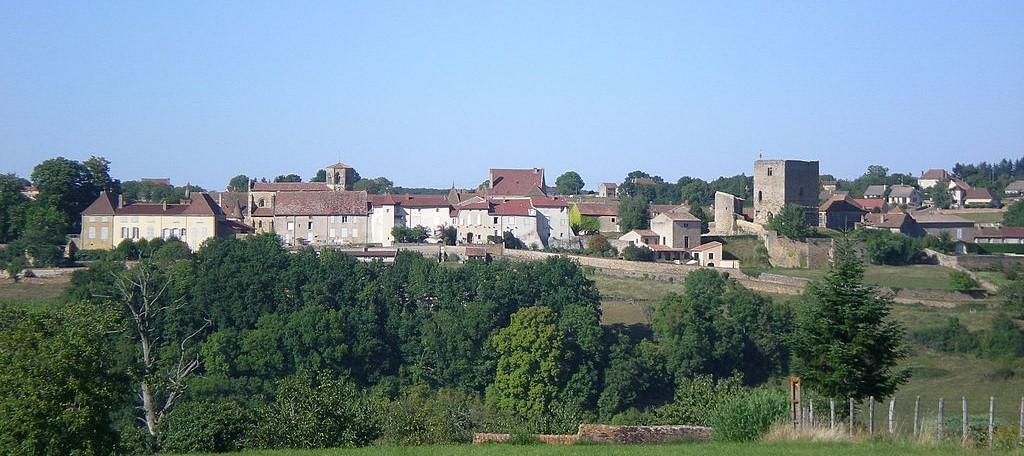 Semur-en-Brionnais et le château St Hugues (Saône-et-Loire)